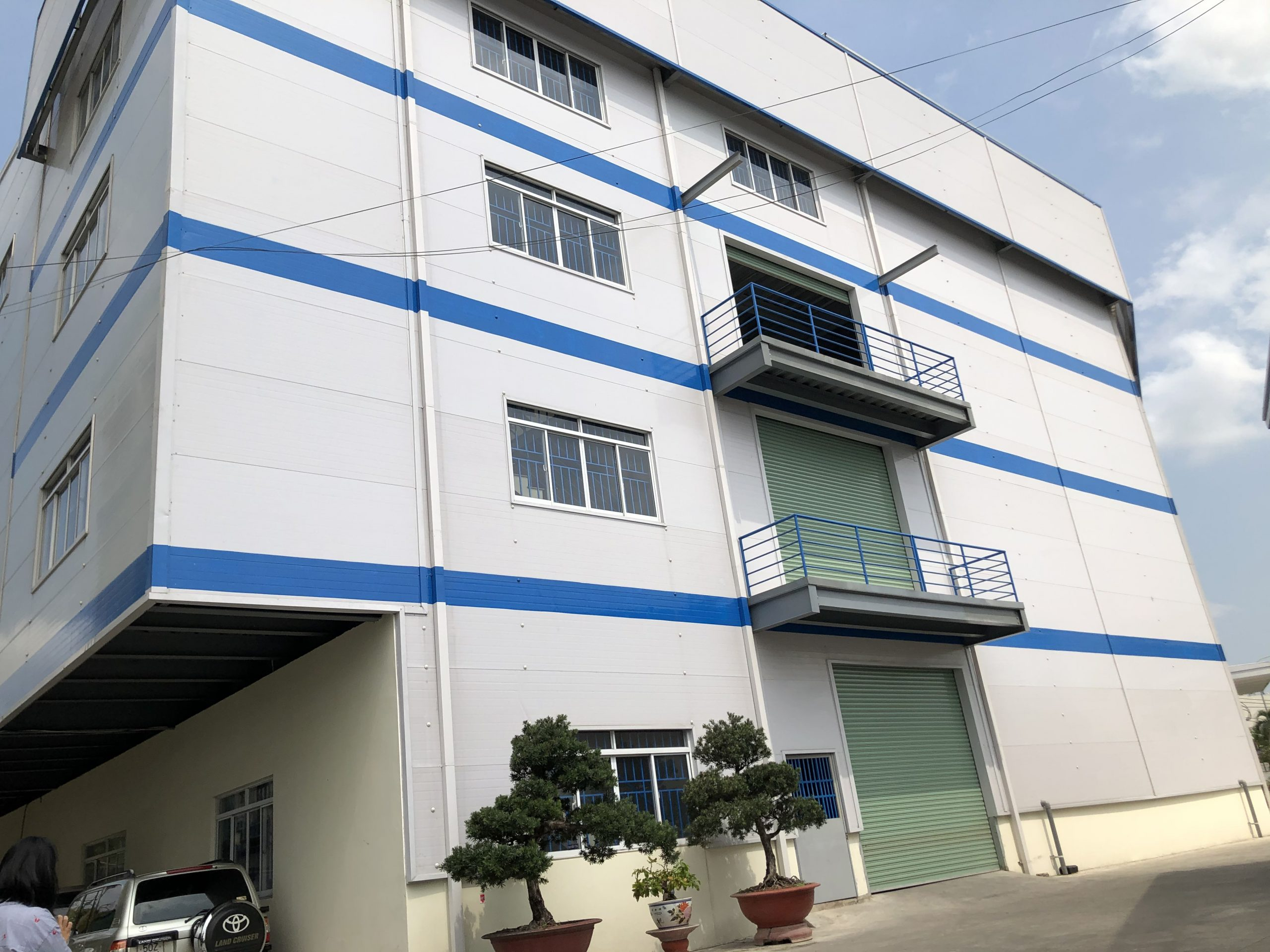 Multi-storey factory for lease in HCMC